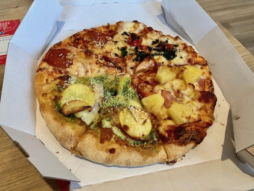 ドミノピザのピザ